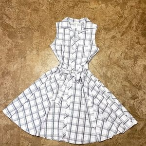 Sweet 50s style belted dress